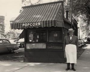Popcorn vendor on UW campus. #S16046