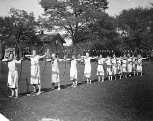 UW women's archery practice, c. 1933.
