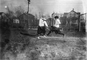 UW women's baseball, c. 1916.