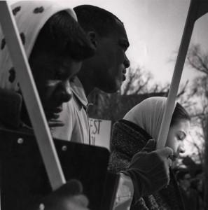 UW students praying, 1960