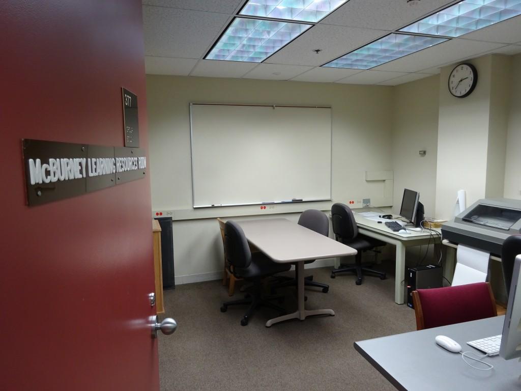 Spaces - Service Desks - McBurney